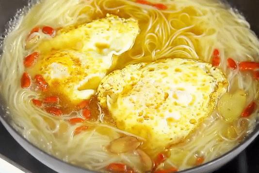 麻油鸡蛋面线怎么做好吃 图文步骤解析