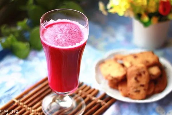 每天喝什么果汁减肥 4种果汁减肥在家轻松做