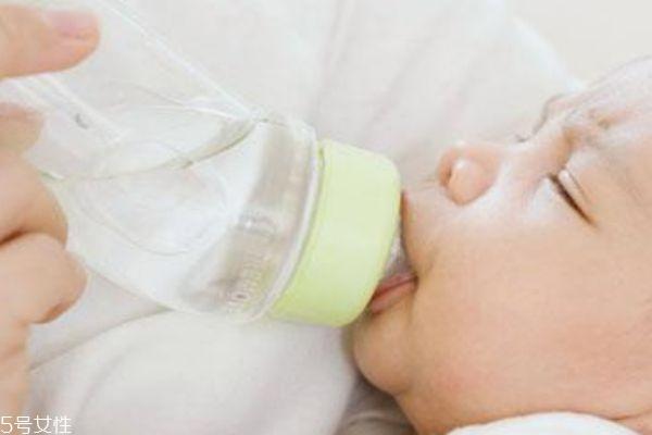 孩子不爱喝水怎么办 让孩子爱上喝水
