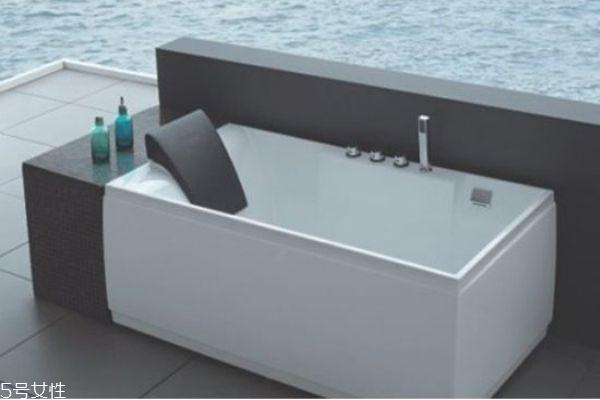 浴缸尺寸一般多大合适 浴缸的分类及特点