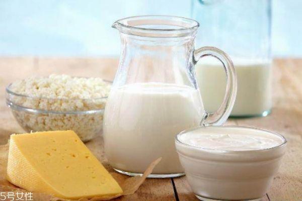 牛奶什么时候喝最好 每天坚持喝牛奶的好处
