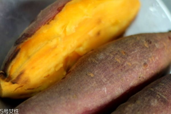 烤红薯的皮可以吃吗 吃要注意这些
