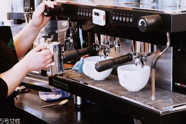 美式咖啡机和意式咖啡机的区别 前者适合入门和家庭用
