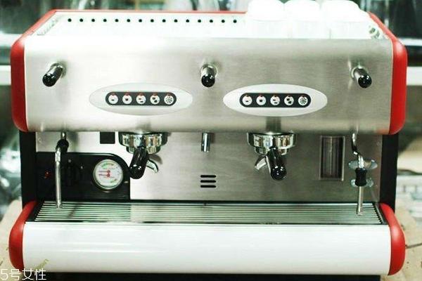 半自动咖啡机适合家用吗 新手不建议