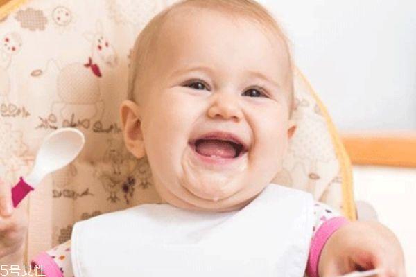 宝宝口臭是什么原因 妈妈要注意