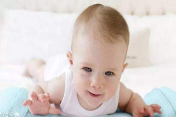 宝宝什么时候用枕头 如何挑选宝宝用的枕头