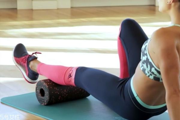 瑜珈柱的作用 瑜珈柱瘦腿教程