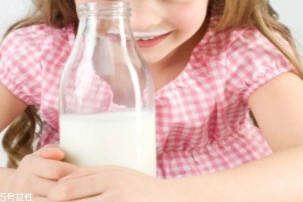 宝宝奶粉哪个牌子好 奶粉该如何选择