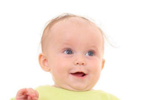 宝宝头发稀少发黄是什么原因 可能是缺锌