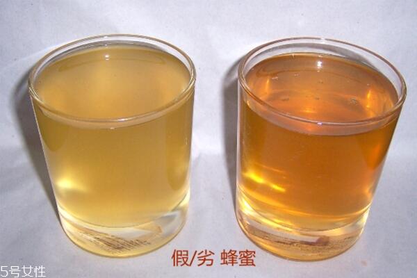 蜂蜜颜色深浅哪种好 以浅淡色为佳