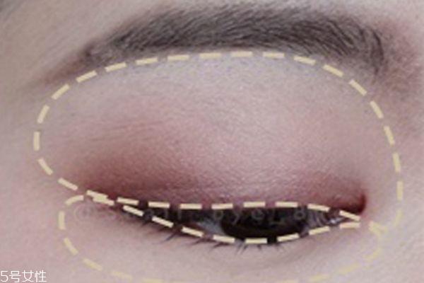 粉色系桃花眼妆画法图片