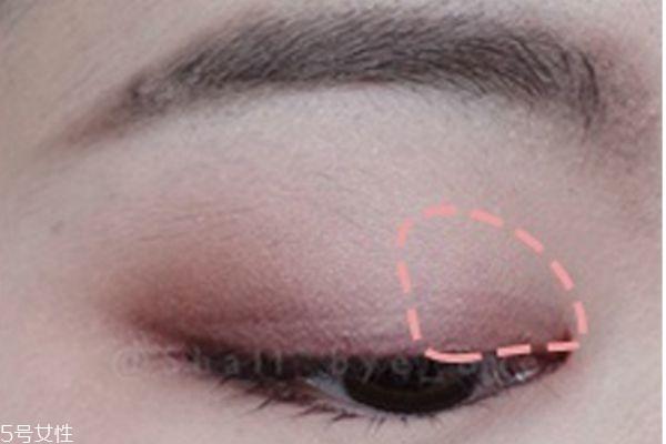 粉色眼妆画法步骤图图片