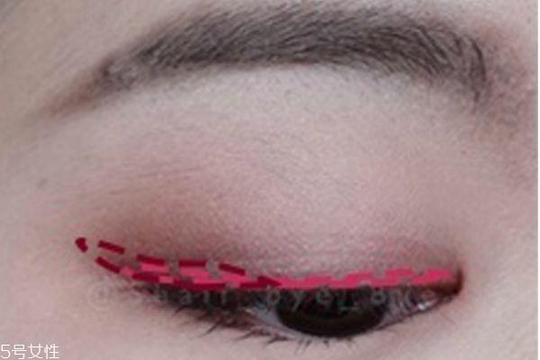 粉色眼影的画法图解图片