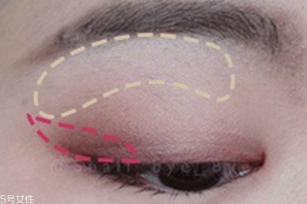 粉色眼妆图片