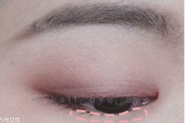 粉色眼影画法教程图片