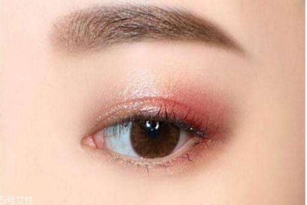 粉色超萌日系大眼妆画法图解图片