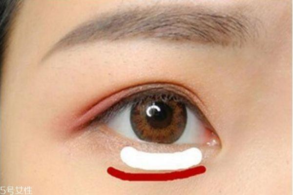 粉色眼妆画法图片