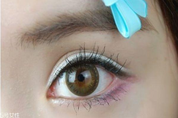紫色眼影好看吗图片
