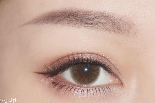 藕粉色眼影怎么画 好看的秋冬眼妆教程