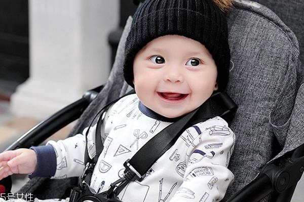 新生婴儿磨牙是怎么回事 原因是这样