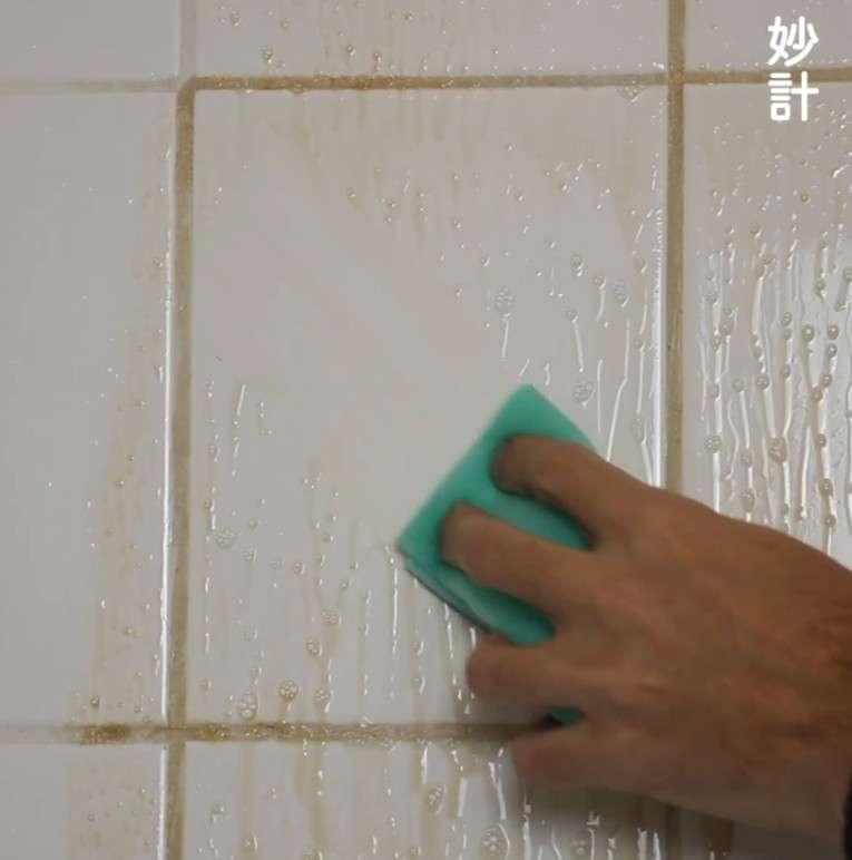 白醋怎么去浴室的水垢 搭配洗洁精轻松去除