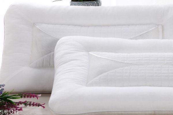 竹炭枕的功效与作用 竹炭枕头怎么清洗