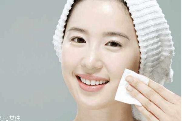 质地黏稠的化妆水补水效果更好吗 关于化妆水的那些事