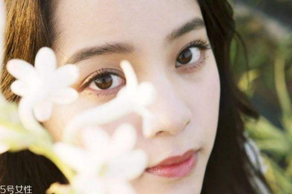 怎么画少女妆 清新学生妆容画法