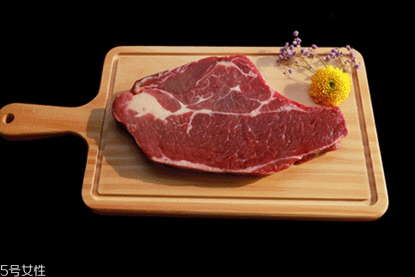 上脑牛排是哪个部位 油脂丰富的牛背脊