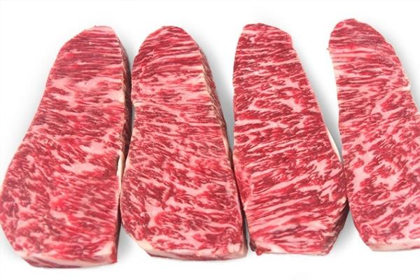 牛小排是牛的哪个部位 牛胸腔左右两侧肋骨部分