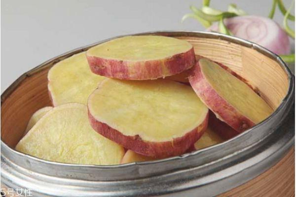 蒸红薯用大火还是小火 蒸红薯好吃还是煮红薯