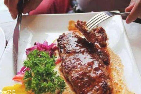 减肥晚上可以吃煎牛排吗图片