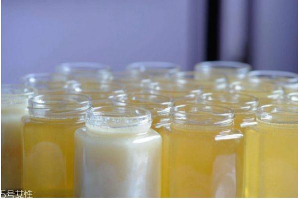 蜂蜜结晶怎么回事 蜂蜜结晶怎么办