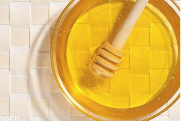 蜂蜜有什么药用价值 蜂蜜的吃法