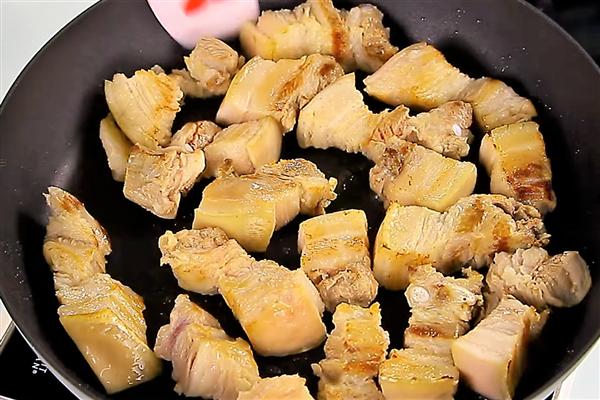 萝卜炖肉的家常做法 煮出入口即化的卤肉