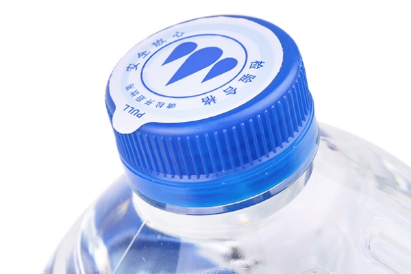 天然矿泉水和纯净水区别 天然矿泉水和纯净水哪个好