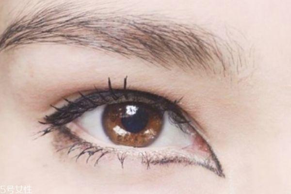 单眼皮世界杯手机投注网站怎么画眼妆 各种眼形眼线画法