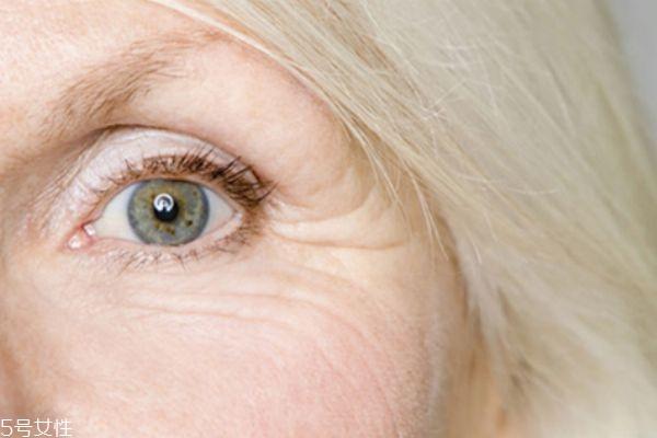 大宝眼霜和眼角皱纹蜜图片