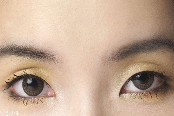 单眼皮女生眼影怎么画好看 单眼皮画眼影步骤图解
