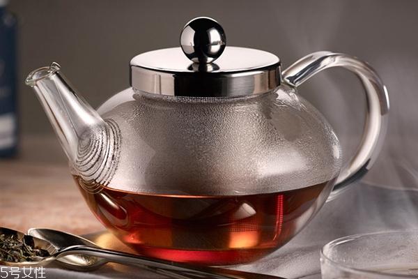 伯爵红茶用什么水泡好 矿泉水或纯净水