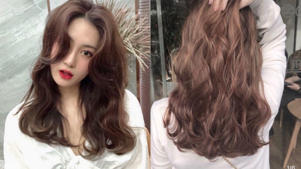 黑色发也适合,看唐嫣和杨幂搭玫瑰色或是枫叶红唇膏,都很贵气.图片