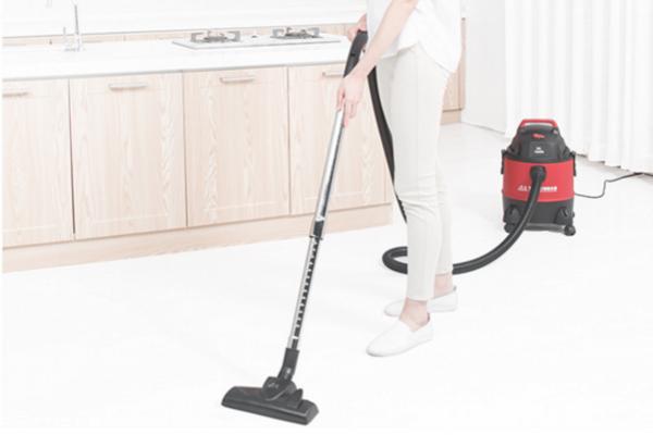 吸尘器和扫把哪个好 扫地用扫帚好还是吸尘器好