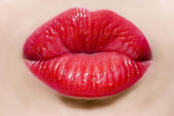 嘴唇发乌怎么改善 4招改善嘴唇发乌