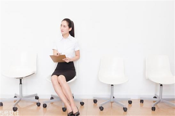职业女性穿衣搭配 不同岗位有讲究