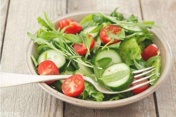蔬菜沙拉的菜要煮吗 不是所有的蔬菜都适合生吃