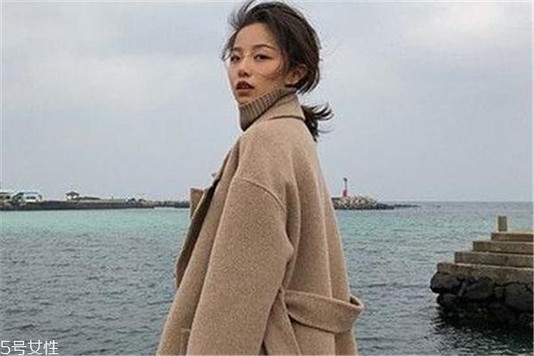 澳毛大衣一般多少钱 根据澳毛品质决定