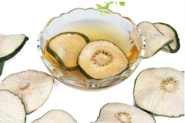 减肥果泡水一天喝几次最好 减肥果的功效
