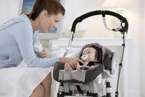 婴儿推车怎么选才好 卧式婴儿车vs坐式婴儿车