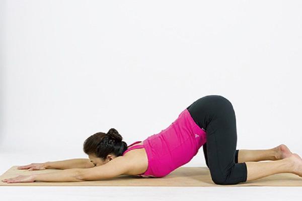 睡前做什么瑜伽动作好 做4个动作让你立马入睡