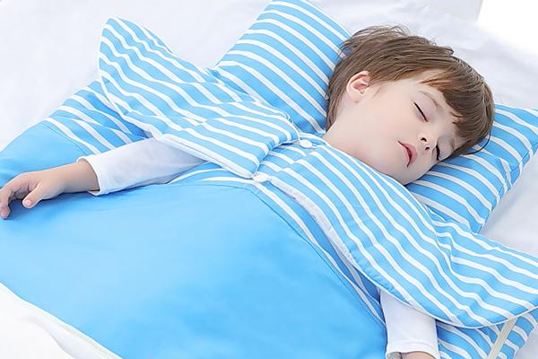 睡袋适合多大的宝宝 刚出生就能用